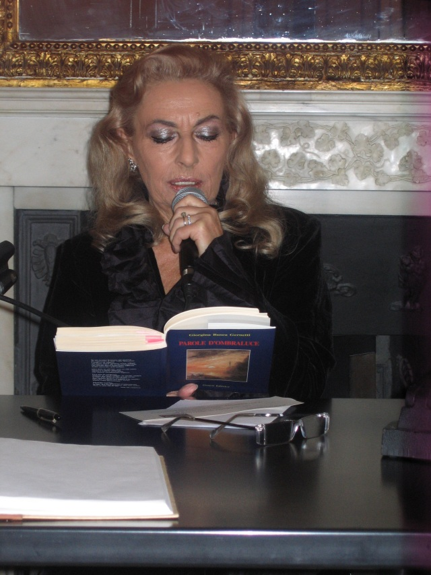 """Giorgina legge poesie dal libro """"Parole d'ombraluce"""""""